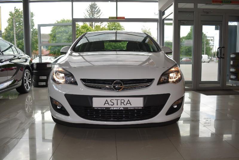 Opel Astra-J Enjoy 1.4XFT 6-AT