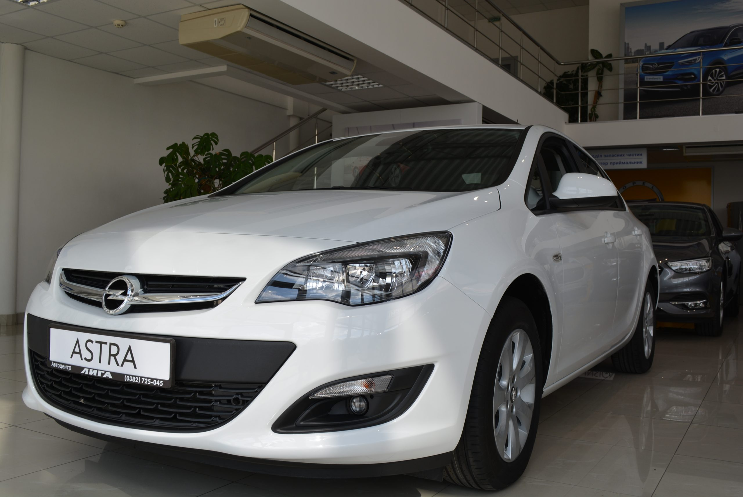 Opel Astra-J Enjoy Plus 1.4XFT 6МT DEMO